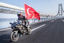 Kenan Sofuoglu atteint les 400 km/h à moto