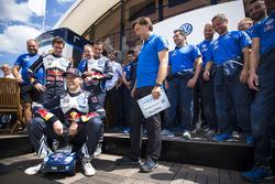 Sébastien Ogier,Volkswagen Motorsport, avec Jost Capito, directeur de Volkswagen Motorsport