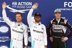 Ganador de la pole Lewis Hamilton, Mercedes AMG F1 Team, segundo lugar Nico Rosberg, Mercedes AMG F1 Team, tercer lugar Nico Hulkenberg, Sahara Force India