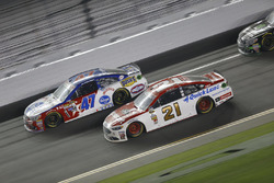 A.J. Allmendinger, JTG Daugherty Racing Chevrolet, Ryan Blaney, Wood Brothers Racing Ford