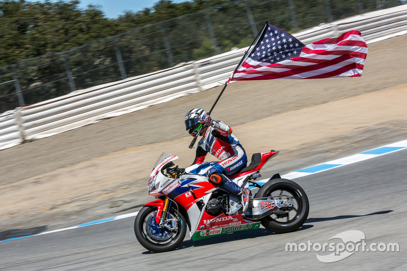 Tercer lugar Nicky Hayden, Honda World Superbike Team celebra después de la carrera
