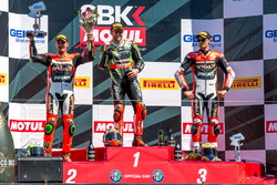 Podium, Rennen 2: Sieger Tom Sykes, Kawasaki Racing Team; 2. Giugliano, Aruba.it Racing - Ducati; 3. Chaz Davies, Aruba.it Racing - Ducati