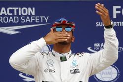 Lewis Hamilton, Mercedes AMG F1 fête sa pole position