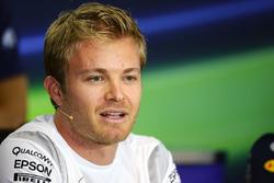 Nico Rosberg, Mercedes AMG F1 en la Conferencia de prensa FIAConference