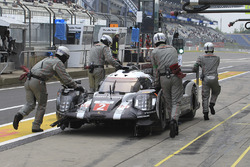 #2 Porsche Team, Porsche 919 Hybrid: Romain Dumas, Neel Jani, Marc Lieb, crashed car