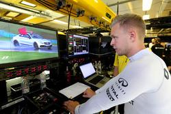 Kevin Magnussen, Renault Sport F1 Team, Red Fla