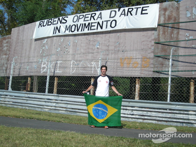 I celebrate the victory of Rubens Barrichello