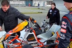 Victoria Verstappen s'entraine en karting