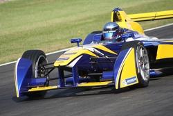 Nicolas Prost dans la Renault eDams disposant d'une nouvelle livrée