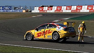 Carnage in first corner for Coronel after crash in Shanghai, China for the FIA WTCC races