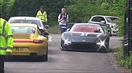 Aston Martin Vulcan legt Burnout hin