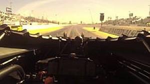Caméra embarquée avec le pilote de dragster Shawn Langdon