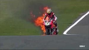 Горящий мотоцикл Чаза Дэвиса в Доннингтоне