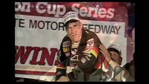 Mark Martin anota una victoria sorpresa en la carrera All-Star de 1998