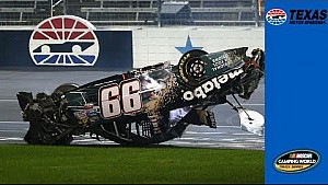 Zware crash bij NASCAR Trucks in Texas