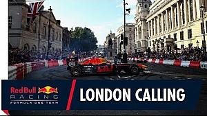 Даніель Ріккардо і Макс Ферстаппен запалюють вулиці Лондона
