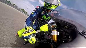 Valentino Rossi en moto de bolsillo a Misanino