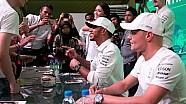 Hamilton en Bottas ontmoeten fans in Maleisië